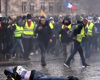 """فرنسا.. 84 ألفا شاركوا بالحراك التاسع لـ""""السترات الصفراء"""""""