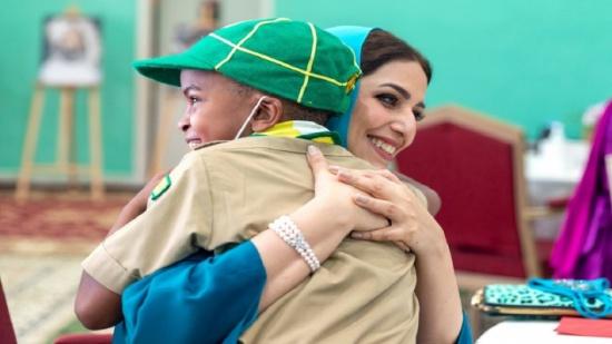 شاهد.. ظهور نادر لزوجة سلطان عمان في يوم الأم