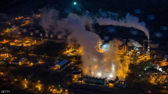 مخزونات النفط العالمية تتقلص