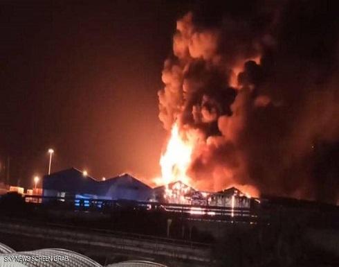 شاهد : حريق ضخم في مرفأ إيطالي بعد سلسلة انفجارات