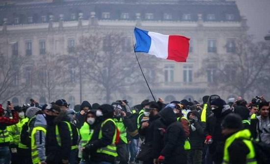 """فرنسا تحبس أنفاسها وتتأهب لـ""""موجة صفراء"""" جديدة"""