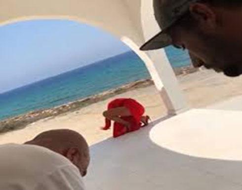 """بالفيديو : مايا دياب تفقد توازنها وتسقط أثناء تصوير """"يا نور العين""""!"""