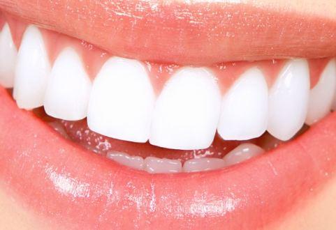 10 أطعمة تدمر أسنانكم.. ابتعدوا عنها