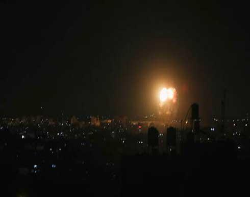 طيران الإحتلال يشن غارات على مواقع في مخيم النصيرات وسط غزة