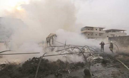 حريق ضخم في منطقة عسكرية تركية قرب الحدود السورية