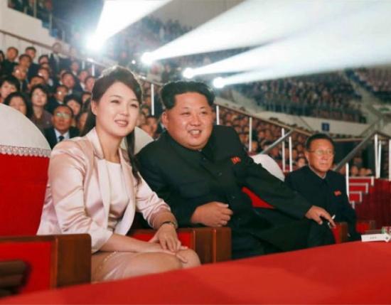«شاهد» أنجبت منه مؤخراً ابنة .. ما هو مصير زوجة زعيم كوريا الشمالية؟؟!