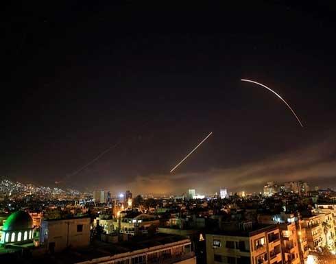 الدفاعات الجوية السورية تتصدى لصواريخ معادية في سماء دمشق .. بالفيديو