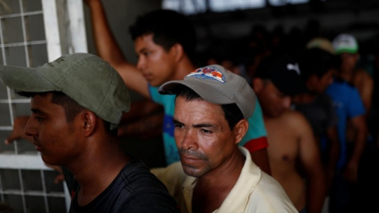 أميركا تعلق منح اللجوء لمن يعبرون الحدود بطرق غير شرعية