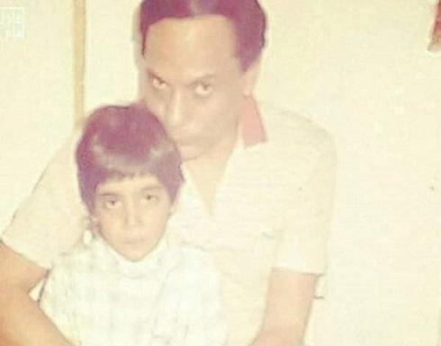 من هو هذا الطفل الى جانب عادل إمام الذي أصبح ممثلاً شهيراً؟