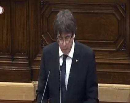 شاهد ... كلمة رئيس إقليم كتالونيا أمام البرلمان بشأن الانفصال عن اسبانيا