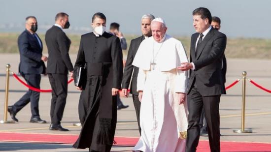 باليوم الثالث من زيارته للعراق.. بابا الفاتيكان في أربيل والموصل وقرقوش