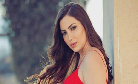 نسرين طافش تستعرض سيارتها الفاخرة وتثير غضب المتابعين.. ما علاقة ياسمين صبري!
