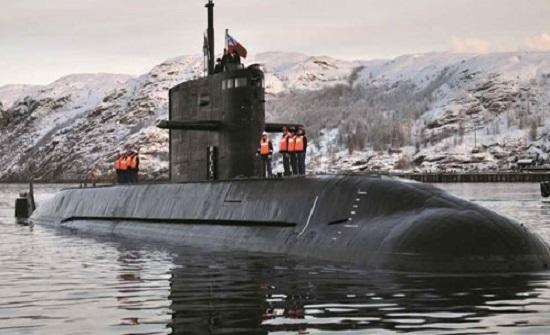 """""""الناتو"""" قلق بشدة.. الغواصات الروسية تثير الرعب"""