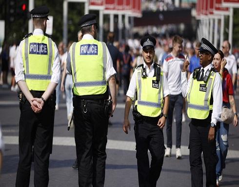 طرد مشبوه قرب مكتب رئيس الوزراء البريطاني يثير قلق الشرطة .. بالفيديو