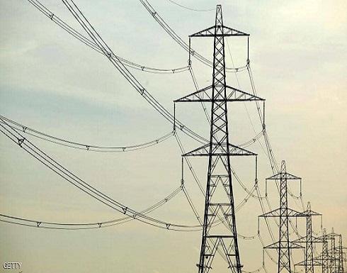 عطل في خط كهرباء إيراني يغرق نصف محافظة عراقية بالظلام