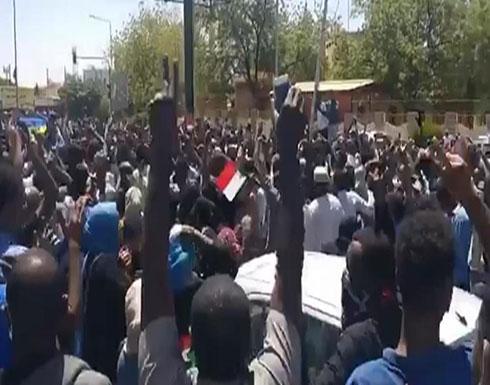 """""""الأطباء المركزية السودانية"""":مقتل شاب بتظاهرات أم درمان"""