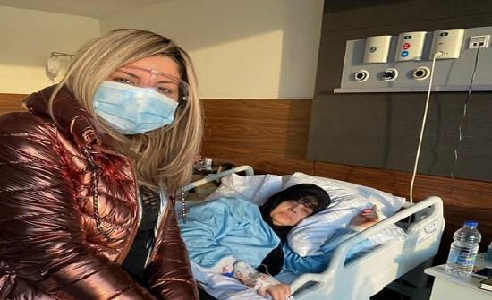 فيفي عبده تحتفل بعيد ميلادها داخل المستشفى