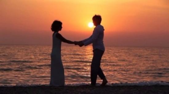 5 أشياء بسيطة لإحياء ذكرياتك مع شريك حياتك