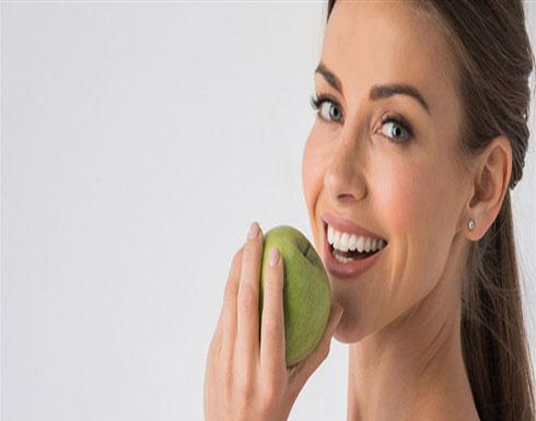 أطعمة ومشروبات تبرز جمالك وتحميك من الأمراض منها الليمون