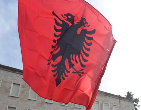 ألبانيا تطرد دبلوماسيا روسيا والسفارة ترد
