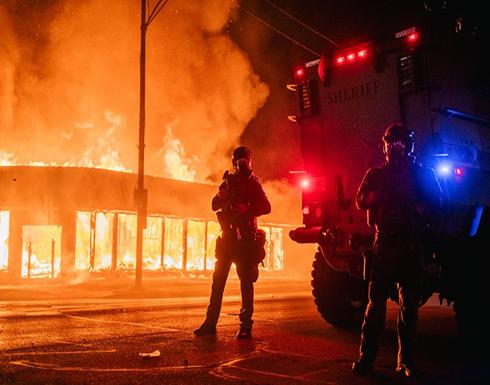 """شاهد : """"الطوارئ"""" بولاية أمريكية إثر تجدد الغضب من العنصرية"""