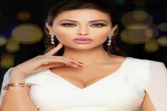بالفيديو: مريم حسين تثير الغضب بفستان شفاف واستعراض أمام الكاميرا