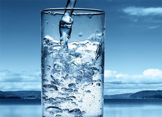 صورة: أسهل وسيلة لربح المال: شرب الماء.. كيف ذلك؟