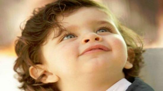 بالفيديو- طفل لبناني معجزة...