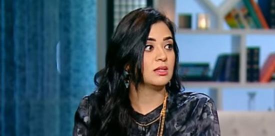إعلامية مصرية ترفع دعوى ضد والدها لحرمانها من حنانه 30 عامًا (فيديو)