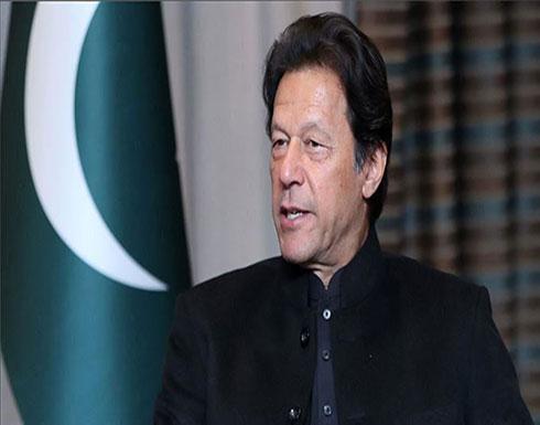 عمران خان يهاجم الهند وينتقد الصمت الدولي بشأن كشمير