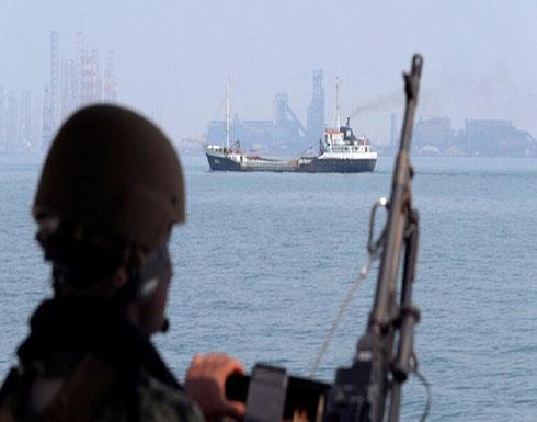وسائل إعلام إسرائيلية: استهداف سفينة مملوكة لإسرائيل في بحر العرب بصاروخ إيراني