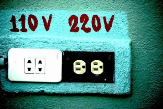 لماذا تستخدم بعض الدول كهرباء 110 فولت ودول تستخدم 220 فولت؟