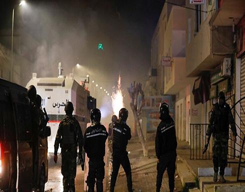 تونس.. تجدد المواجهات الليلية بين الشرطة والمحتجين