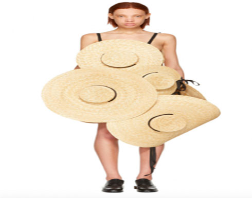 فستان من قبعات قش بقيمة 3,000 دولار