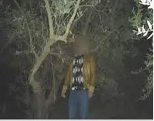 تهز مدينة عربية.. العثور على جثة شرطي معلقة على شجرة