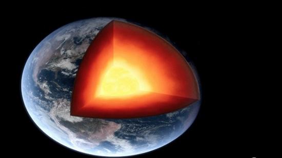 اكتشاف محيط على عمق 1000 كم من سطح الأرض