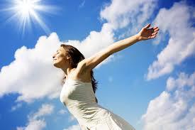 قلة التعرض للشمس تجعل النساء أكثر عرضة للسرطان