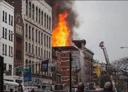 """الشرطة ترجح فرضية """"العمل الإجرامي"""" في حريق باريس"""