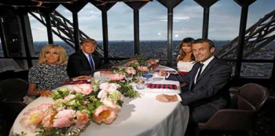 بالصور: ميلانيا ترامب ترتكب خطأ فادحًا في كتابة اسم الرئيس الفرنسي