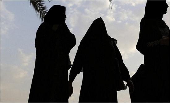 سعودية تنهار باكية بسبب معاناتها من السحر.. وهذا ما طلبته (فيديو)