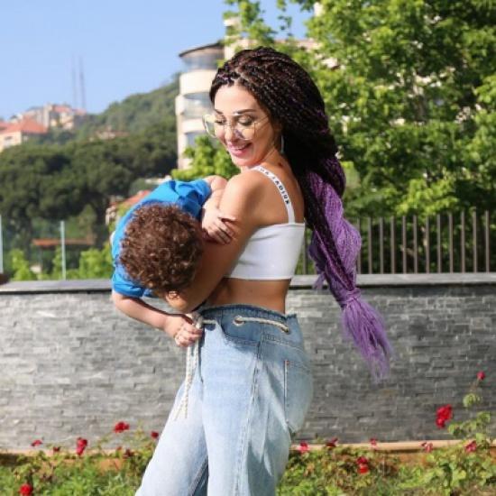 بالفيديو- ميريام فارس توقف نشر صور ابنها.. والسبب؟؟
