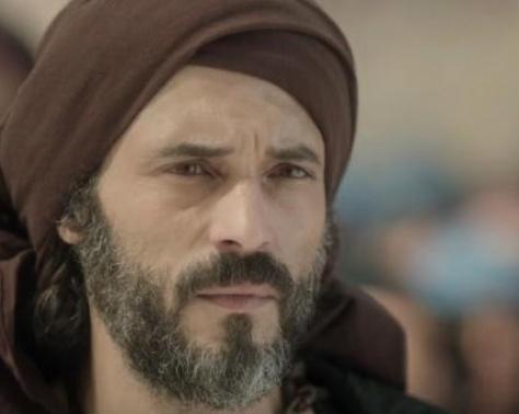 بالفيديو - يوسف الشريف في علاقة حب جديدة.. وهكذا عبر عن اشتياقه لها!