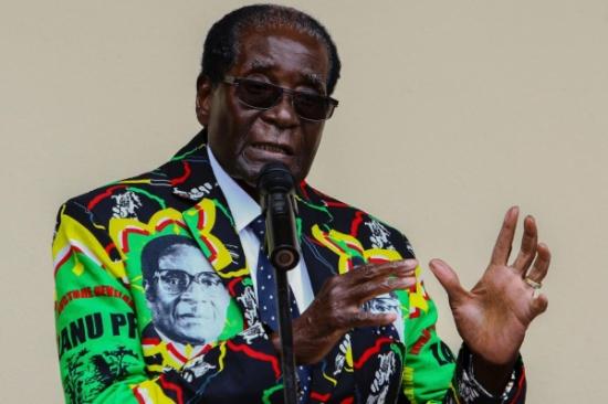 أنباء عن انقلاب عسكري في زيمبابوي بعد اعتقال الرئيس