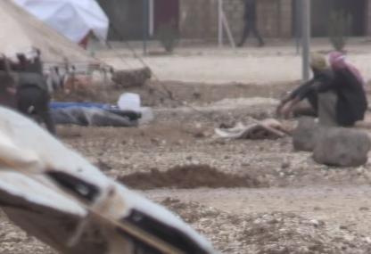 شاهد .. النازحون السوريون يعانون بسبب الأمطار الكثيفة على مخيم العريشة