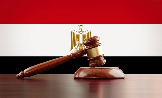فتاة مصرية تقاضي والدها مطالبة بمصروفات جهاز زواجها