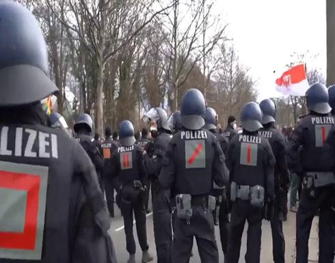 شاهد : تظاهرات حاشدة في المانيا ضد قيود كورونا وإصابات في صفوف الشرطة