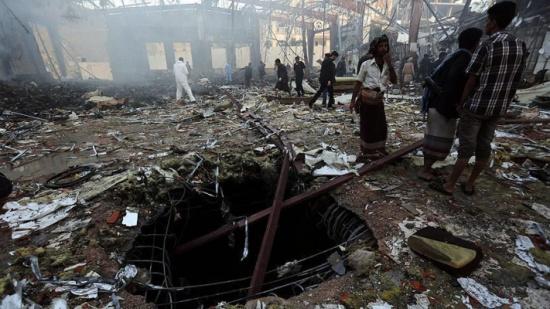 """فريق تحقيق: التحالف العربي مسؤول عن استهداف """"عزاء صنعاء"""" بسبب معلومات مغلوطة"""