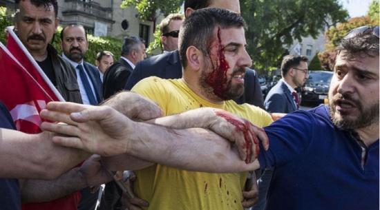 ماذا حدث أمام السفارة التركية بواشنطن؟
