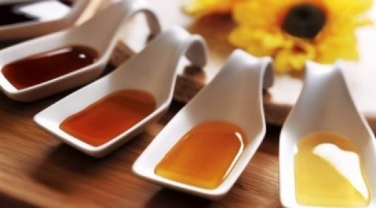 العسل الأبيض سلاحك لمحاربة الهالات السوداء