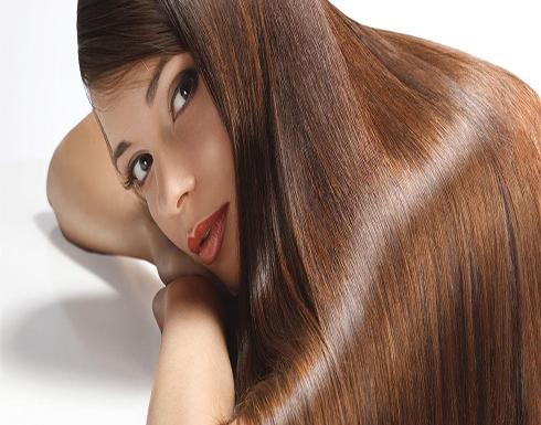 خلطات طبيعية لتنعيم الشعر الجاف.. جربيها